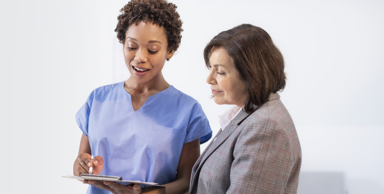 Nurse and woman discuss the safety and side effects of VASCEPA® (icosapent ethyl)